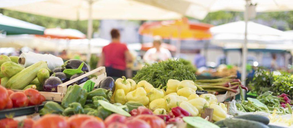 Regional Einkaufen auf dem Wochenmarkt